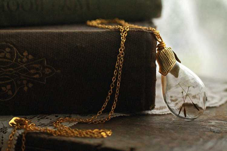Gold dandelion necklace