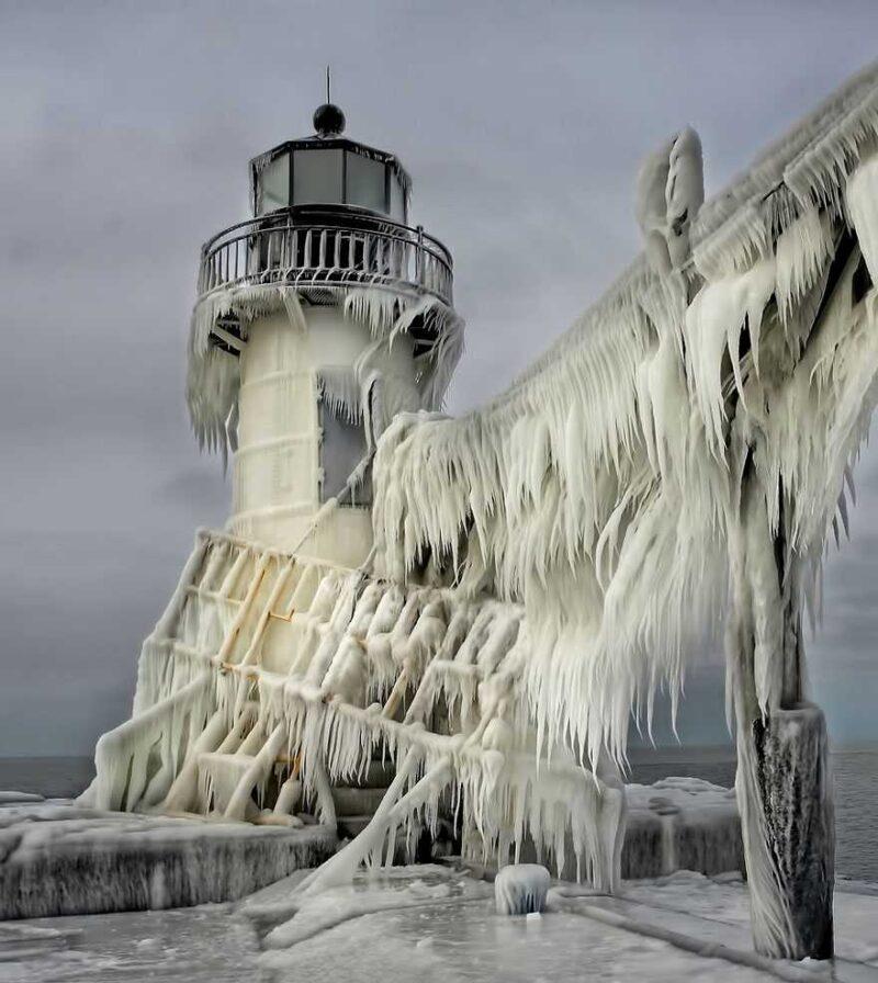 frozen-ice-art-3