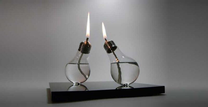 Awesome DIY Ideas For Recycling Old Light Bulbs 7