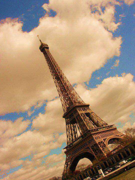 Eiffel-Tower-Paris-France-By-Darbare-Eli