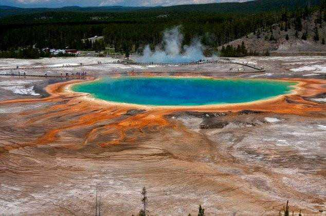 The-Grand-Prismatic-Spring-in-Yellowstone-National-Park-is-the-largest-hot-spring-in-the-United-States-634x422