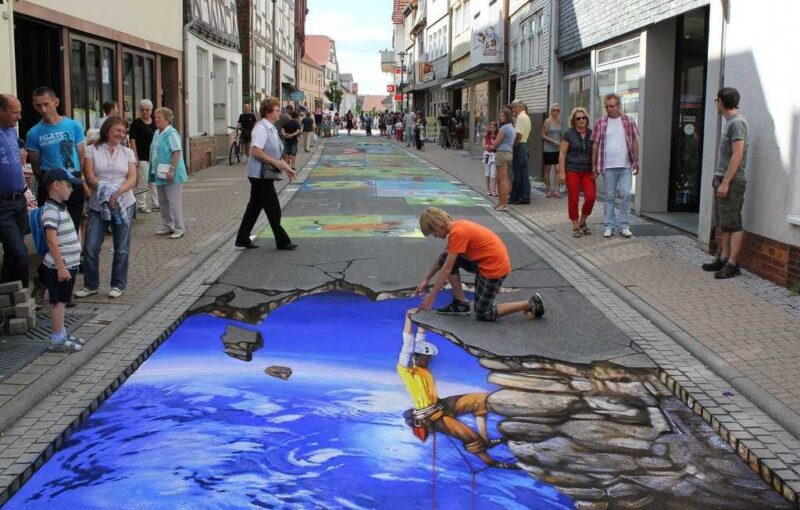 Eye-Fooling Amazing Street Art